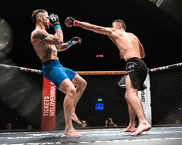 ISMAIL AKILLIC VS KEVIN HANGS